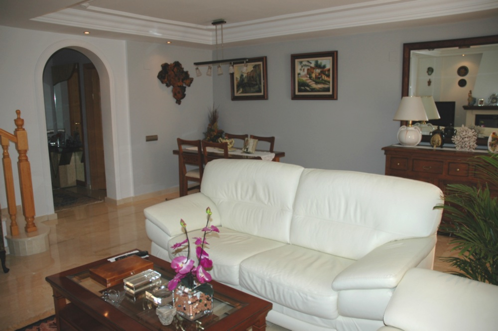 Preciosa casa adosada en  El Tomillar con 4 dormitorios