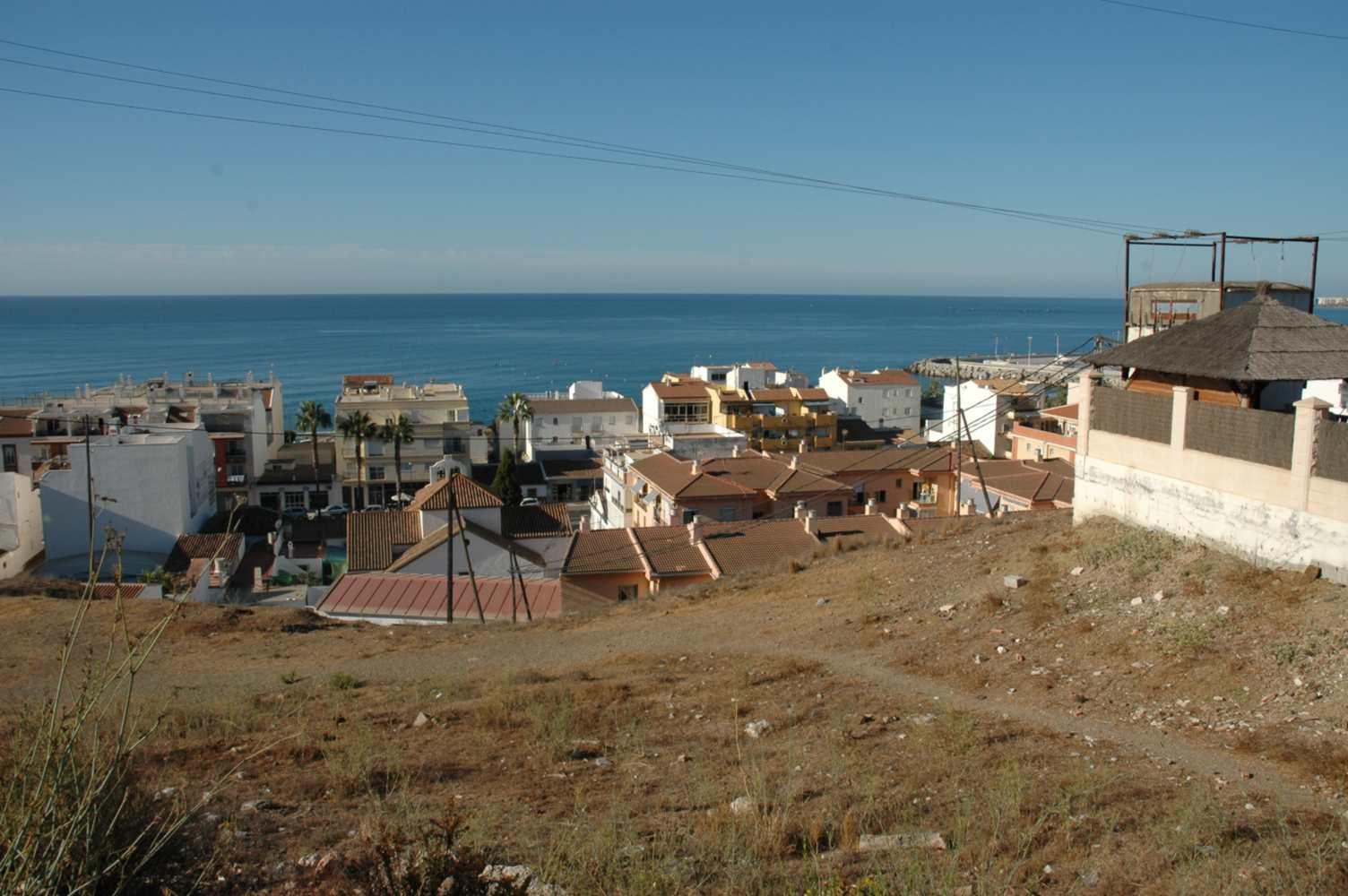 Parcela a 250 mts del mar en Caleta de Velez